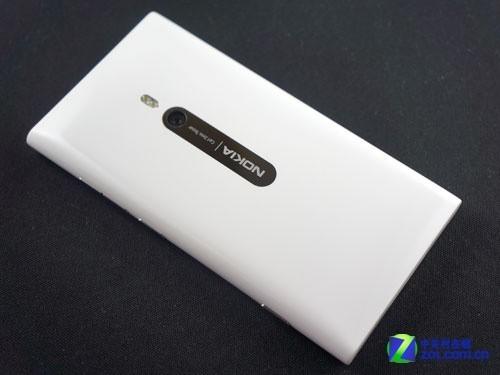 抛光聚碳酸酯白色诺基亚Lumia800图赏