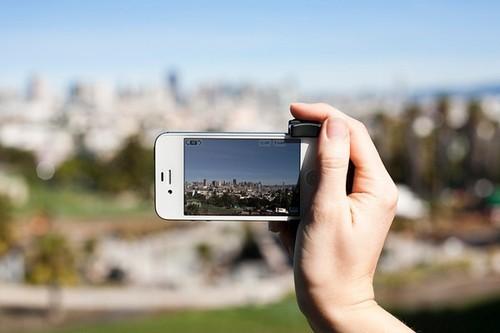 灵活拍摄 贝尔金推出iPhone专用摄影手柄