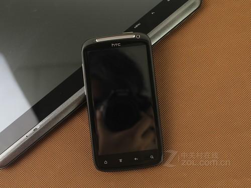 HTC Sensation 黑色 正面图