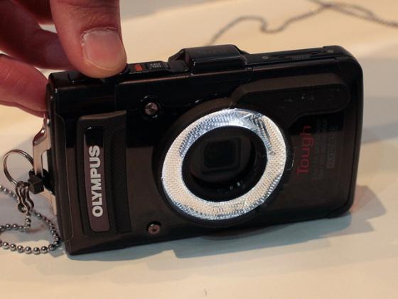 CP+2013:奧林巴斯TG2用超微距平台等附件