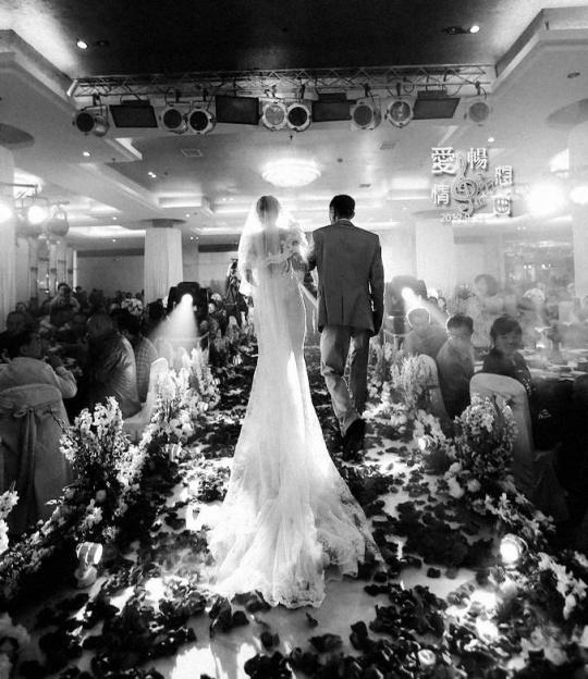 抓取稍纵即逝的瞬间婚礼摄影实用摄影技巧(5)
