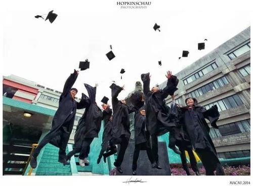 毕业季巨献 如何拍出时尚大片范儿毕业照