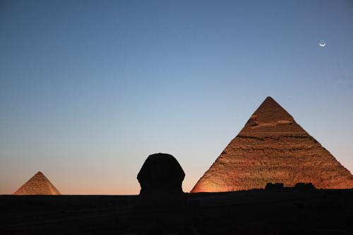 科技时代_组图:2009埃及金字塔熄灯一小时