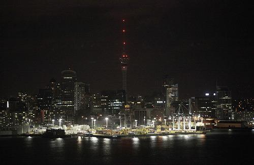 科技时代_图文:新西兰奥克兰市CBD熄灯前后