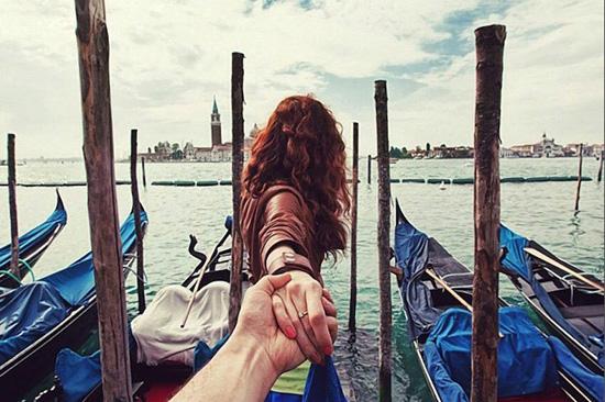和你手牵手一起走遍天涯海角