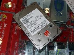 年末大促销日立320GB串口硬盘599元