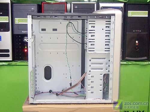 带个提手更方便多彩圣火机箱电源480元