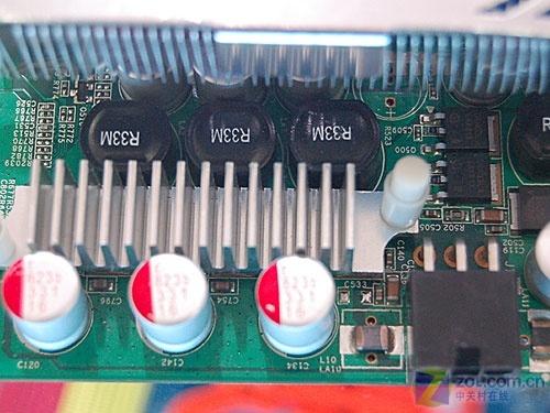 高频/热管/全固态极品GF9600GSO显卡899