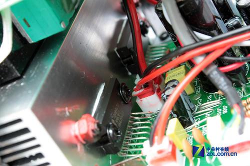 00音箱:两颗功放芯片-千元4英寸2.0旗舰 惠威M100详细评测