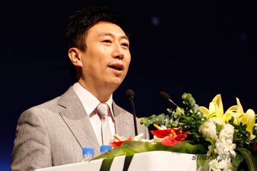 科技时代_图文:2009年百度技术创新大会主持人陈伟鸿