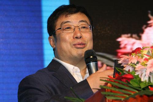 360总裁齐向东介绍360开放平台政策 (新浪科技 韩连巍/摄)