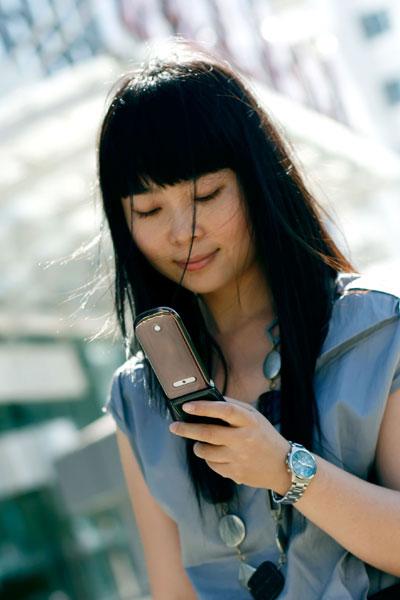 899元联通定制3G手机华为U5700图赏