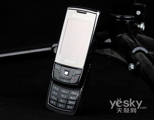 双卡双待新选择 三星D888滑盖手机售2630