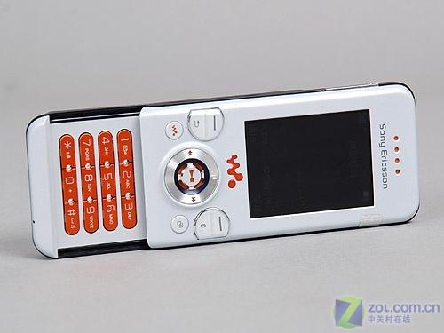 超薄滑盖索尼爱立信W580i仅720元