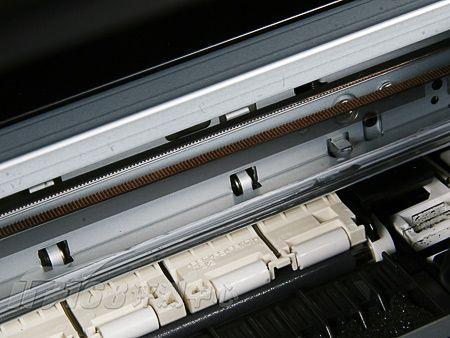 非工作状态下的mp638呈正方体,工作状态下需要打开正面的出纸仓盖和