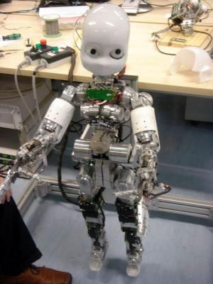 世界首个具备语言学习能力的机器人明年诞生