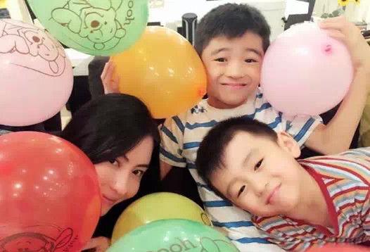 张柏芝和两个儿子