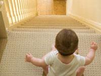 你的孩子是否也曾在窗帘后玩过捉迷藏?
