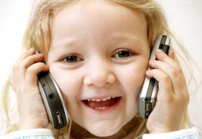 手机对孩子的伤害有多大?(图)