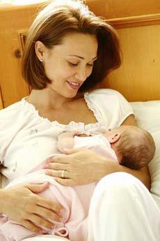 新生儿母乳喂养11大难题(图)