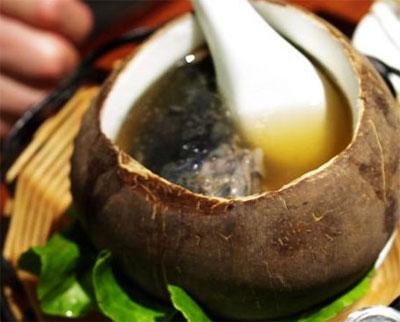 儿童健脑食谱:椰子鸡汤