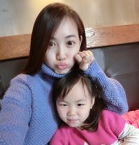 王宝强娇妻和女儿自拍