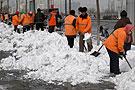 环卫工人扫雪忙