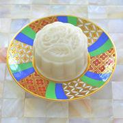 椰汁燕窝豆蓉冰皮月饼