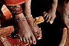 喝新娘洗脚水的怪风俗