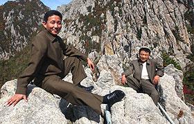 朝鲜男人着装