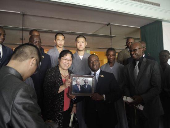 科特迪瓦议长会见中国世界和平基金会代表团