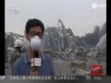 消防员爆炸现场列队告别战友遗体:我们带你回家