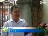 深圳副局长驾警车撞上宾利 倒车欲逃逸又撞车
