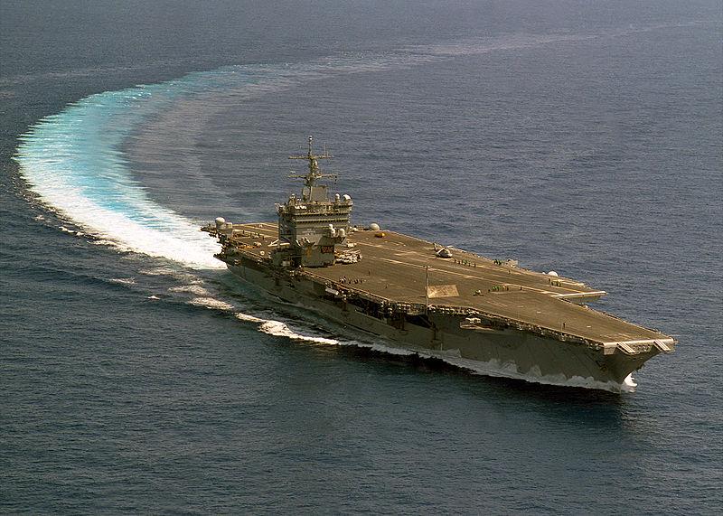 1960年9月24日,世界第一艘核动力航空母舰,美国企业号航空母舰完工下水