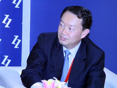 """由中国企业家杂志社主办的2009(第八届)中国企业领袖年会于2009年12月5日在北京举行,主题为""""新商业文明的中国路径""""。新浪财经视频直播此次会议。上图为瑞士信贷(香港)有限公司董事总经理苏骐。(图片来源:新浪财经 梁斌摄)"""