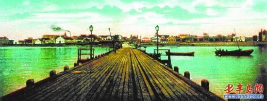 带有栈桥的老明信片,美得如一幅油画。