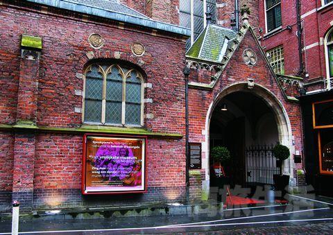2.博物馆的陈列也完美地利用了原来教堂的结构。
