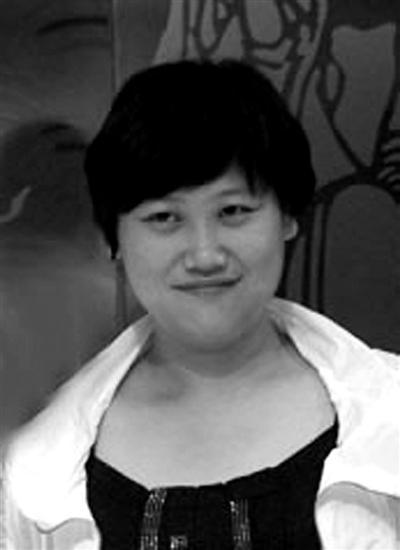 吴芳,女,1974年生,江阴市华西村人,华西村原党委书记吴仁宝的孙女。