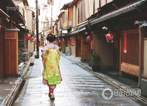 提起京都,你是否会浮现出身着香艳和服的日本女子