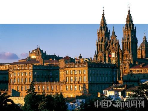 图说:黄昏时分的圣地亚哥大教堂。 图/西班牙旅游局