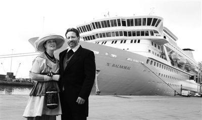英游轮重温泰坦尼克死亡之旅,复制泰坦尼克号百年前航程,包括菜单和乐队;票价达9000英镑