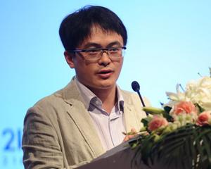 21世纪网执行总编辑周斌介绍21财经情报