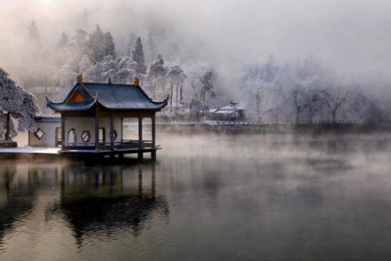 《暮色如琴湖》 王柏跃