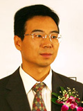 鹏博士股份公司董事长杨学平