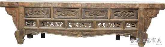 图6 17世纪青海甘肃长形松木供案,尺寸:3135084公分。现藏北京美轮博物馆