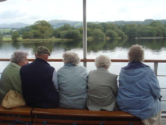 老年人与养老金的距离越来越远,英国人甚至开始忧心以后还能不能活到退休。