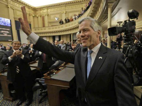 弗吉尼亚州前州长鲍勃-麦克唐纳