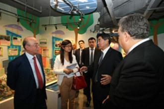 阿塞拜疆参观民防宣教基地