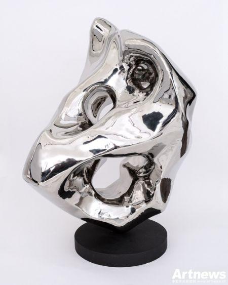 展望 假山石No.67 86x61x66cm 2006 预估价 650000-800000