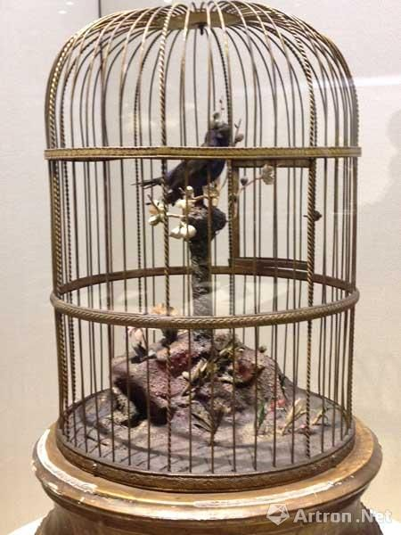 铜镀金圆鸟笼